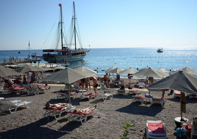 Plaża jednego z hoteli w Antalyi