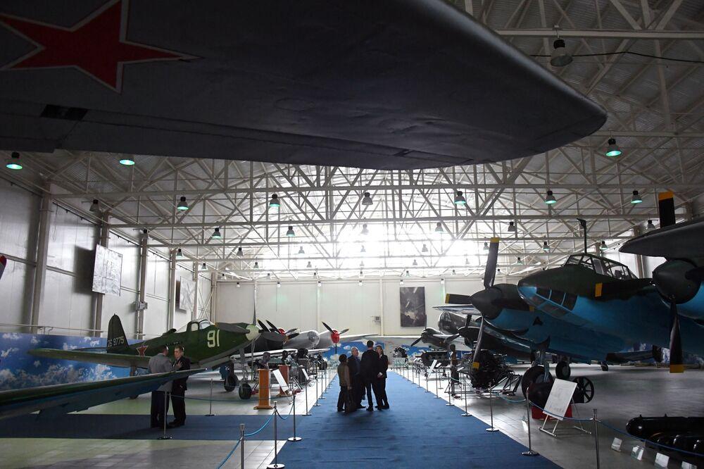 """Otwarcie wystawy """"Samoloty Wielkiej Wojny Ojczyźnianej"""" w Centralnym Muzeum Sił Lotniczych Federacji Rosyjskiej w Monino"""