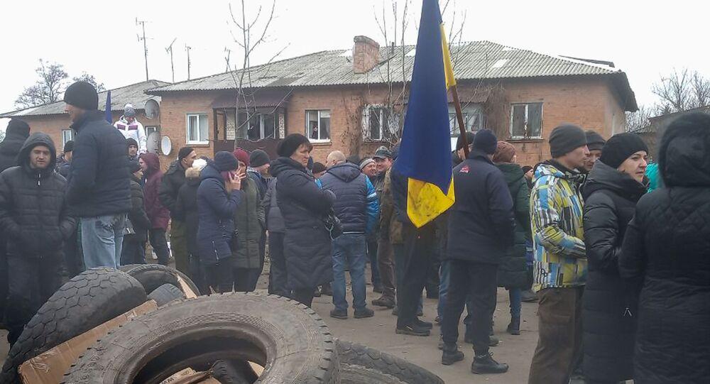 Ukraińcy protestują przeciwko przyjęciu na kwarantannę rodaków ewakuowanych z Wuhan