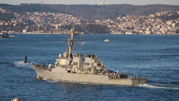 Amerykański niszczyciel Ross w drodze na Morze Czarne - Sputnik Polska