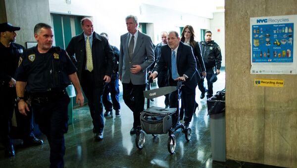 Hollywoodzki producent Harvey Weinstein na procesie w Nowym Jorku - Sputnik Polska