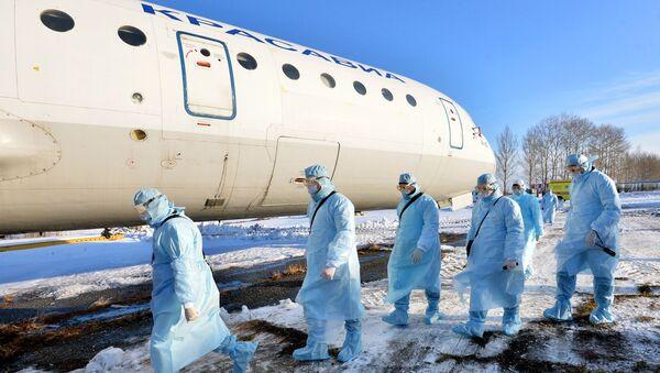 Ćwiczenia w zakresie ewakuacji zakażonych koronawirusem w Czelabińsku - Sputnik Polska