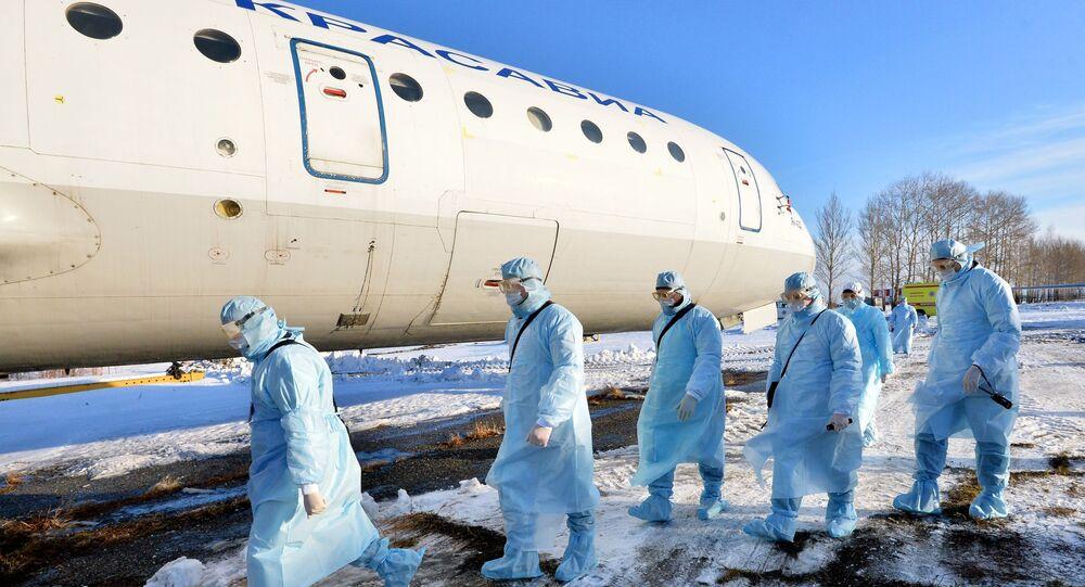 Ćwiczenia w zakresie ewakuacji zakażonych koronawirusem w Czelabińsku