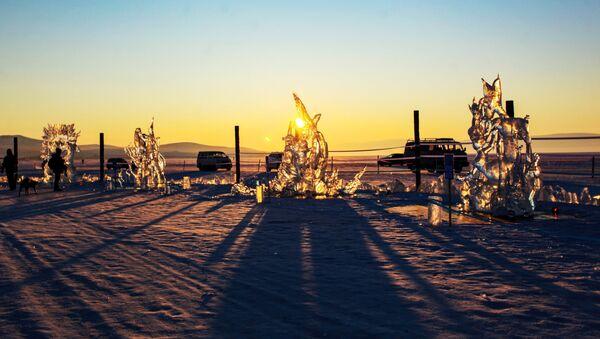 Festiwal Olkhon Ice Fest na jeziorze Bajkał - Sputnik Polska