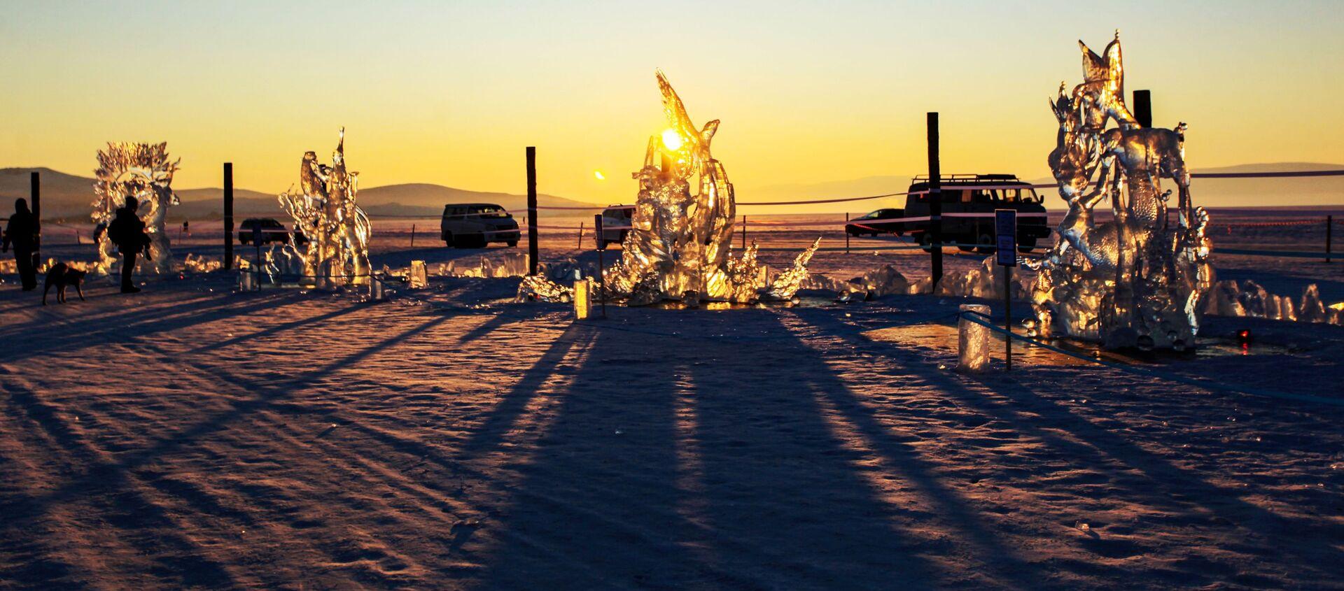 Festiwal Olkhon Ice Fest na jeziorze Bajkał - Sputnik Polska, 1920, 01.01.2021