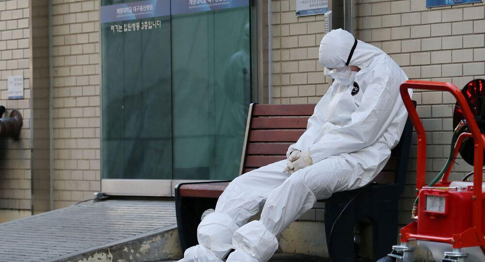 Pracownik medyczny podczas epidemii koronawirusa