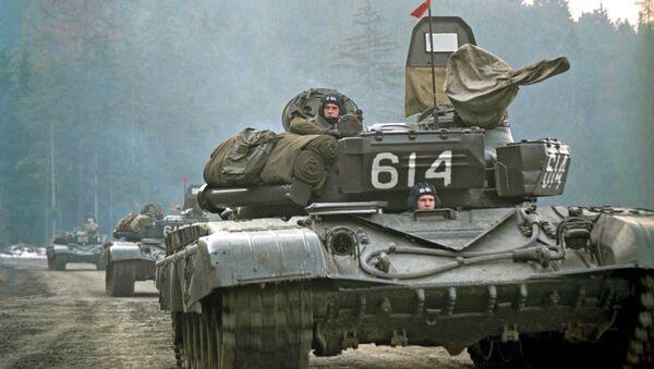 Odwrót wojsk radzieckich z Czechosłowacji w lutym 1990 roku - Sputnik Polska