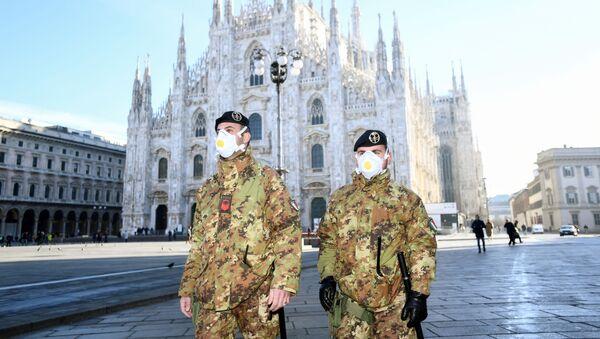 Policja w Mediolanie, Włochy - Sputnik Polska