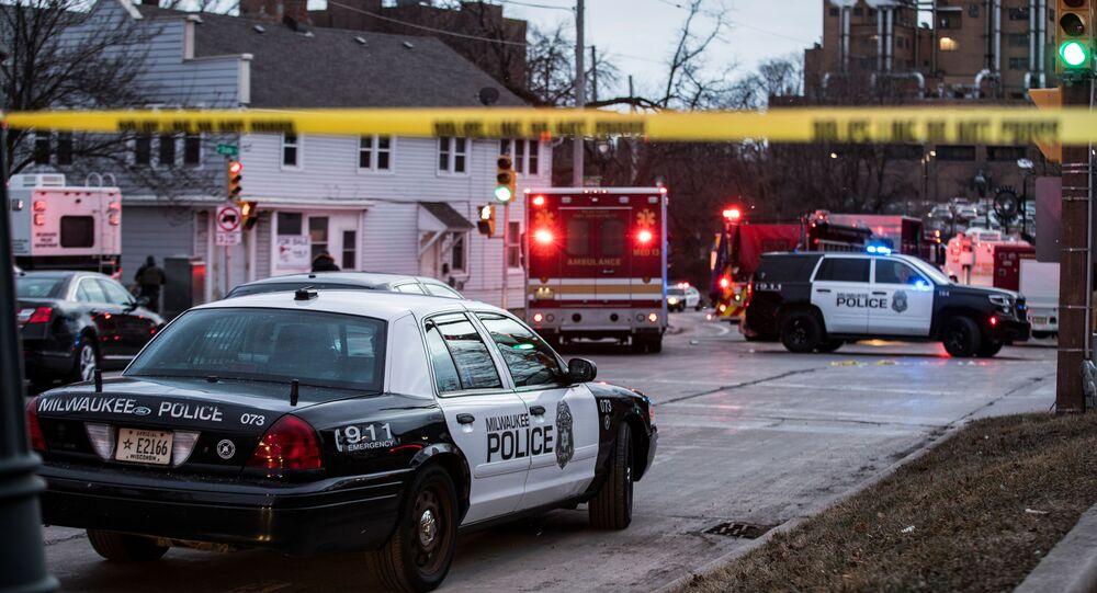 Policja na miejscu strzelaniny w Milwaukee