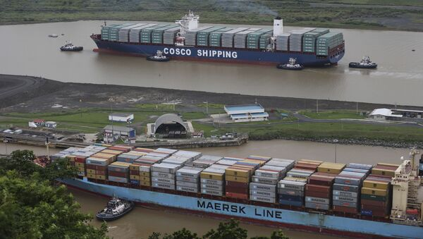 Statki handlowe firm COSCO i Maersk - Sputnik Polska