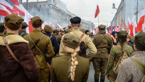 Marsz w Warszawie z okazji Dnia Niepodległości - Sputnik Polska