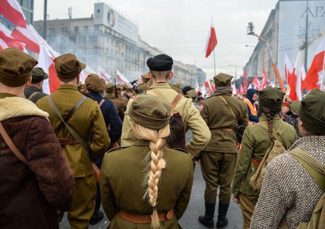 Marsz w Warszawie z okazji Dnia Niepodległości