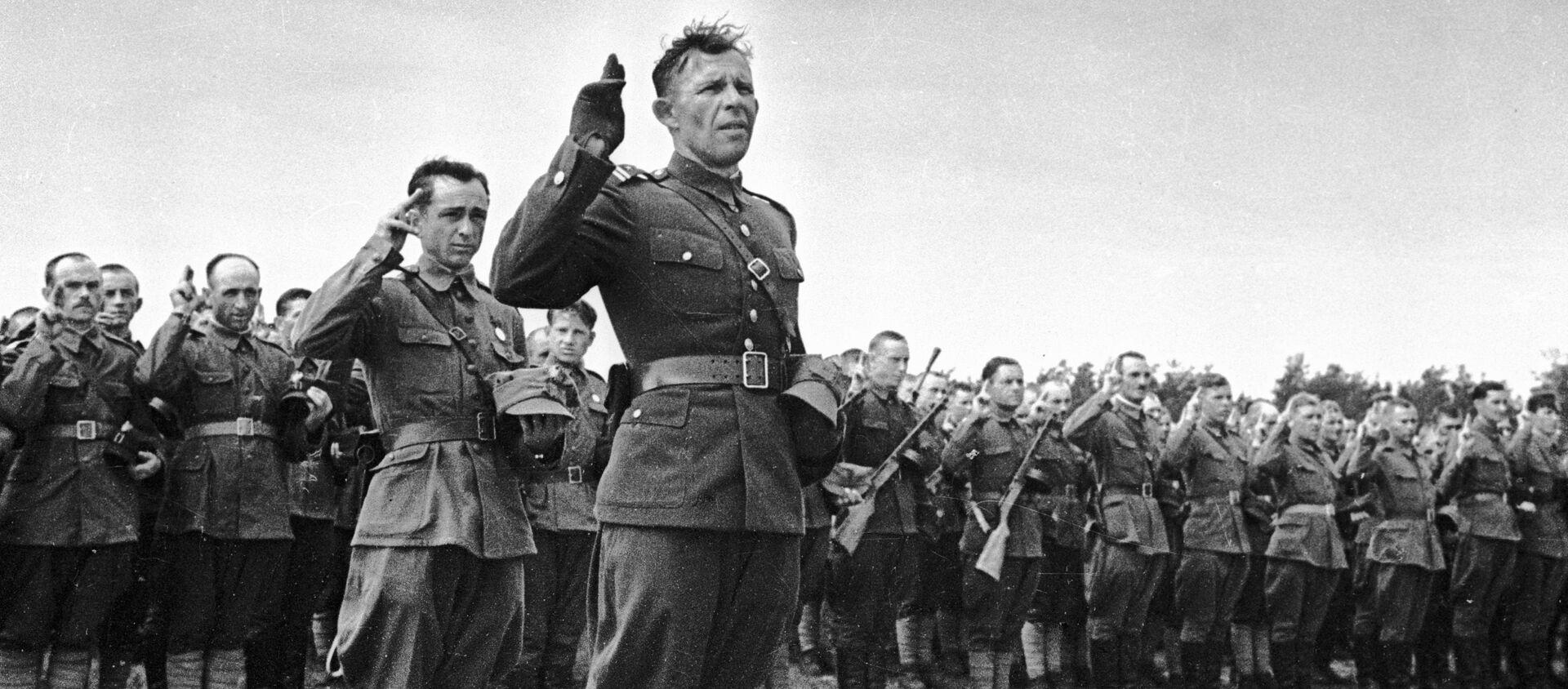 Polscy oficerowie i żołnierze z dywizji im. Tadeusza Kościuszki składają przysięgę - Sputnik Polska, 1920, 12.10.2020