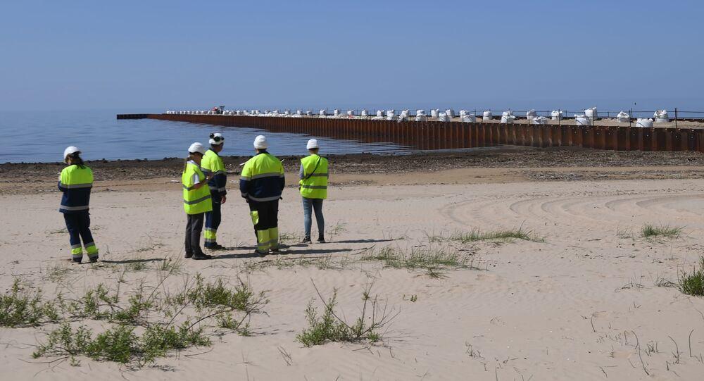 Robotnicy na odcinku budowy gazociągu Nord Stream 2 w obwodzie leningradzkim
