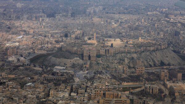 Krajobraz Aleppo z powietrza - Sputnik Polska