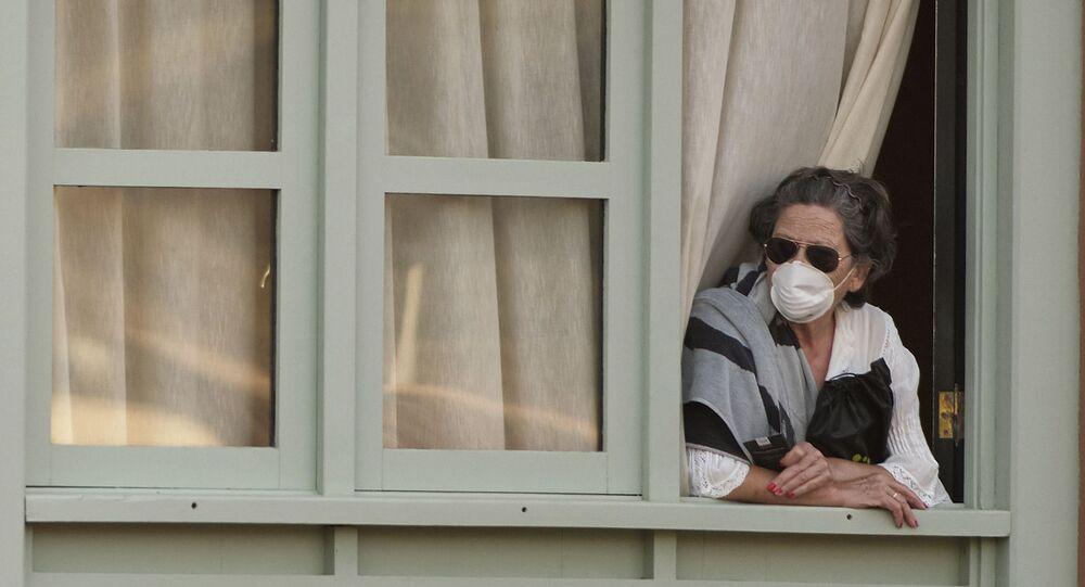 Kobieta w hotelu na Teneryfie