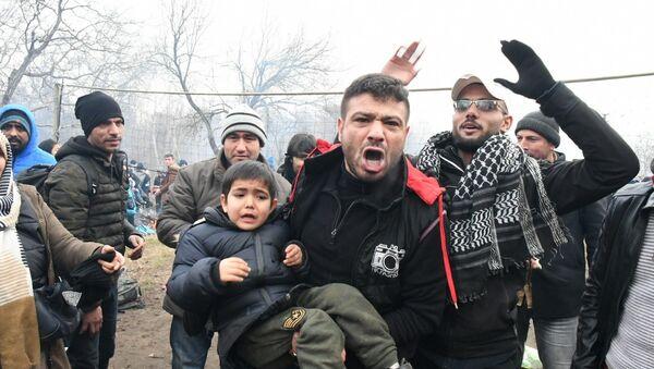 Uchodźcy na tureckiej granicy - Sputnik Polska