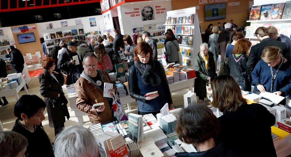 Targi książki we Francji Livre Paris.