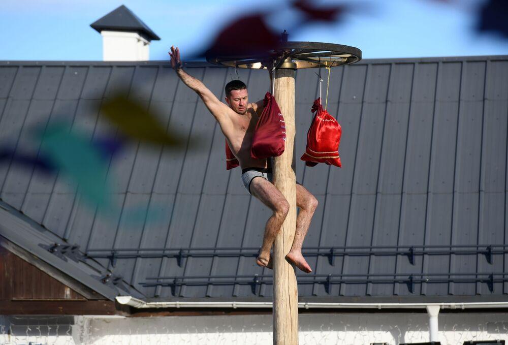 Uczestnik obchodów Maslenicy w Suzdalu