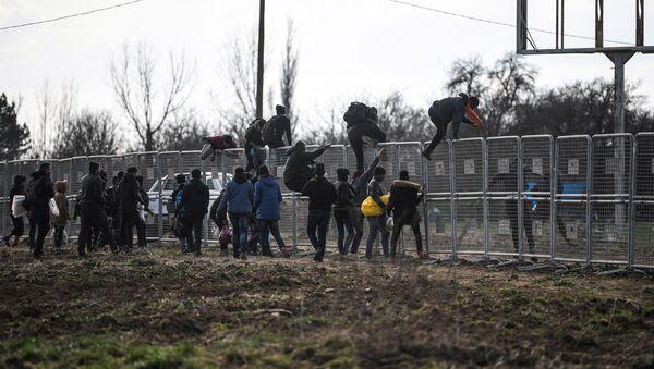 Sytuacja na granicy Grecji i Turcji  - Sputnik Polska