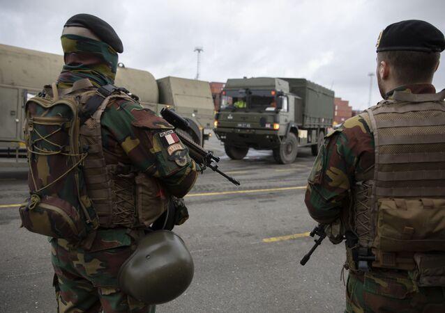 Belgijscy żołnierze w porcie w Antwerpii w ramach przygotowań do ćwiczen Defender Europe 2020, Belgia