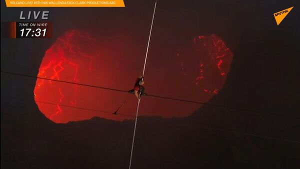 Spacer nad wulkanem  - Sputnik Polska