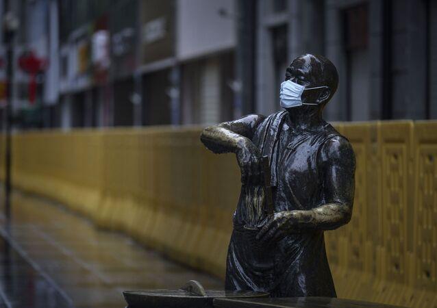 Koronawirus w Chinach, pomnik