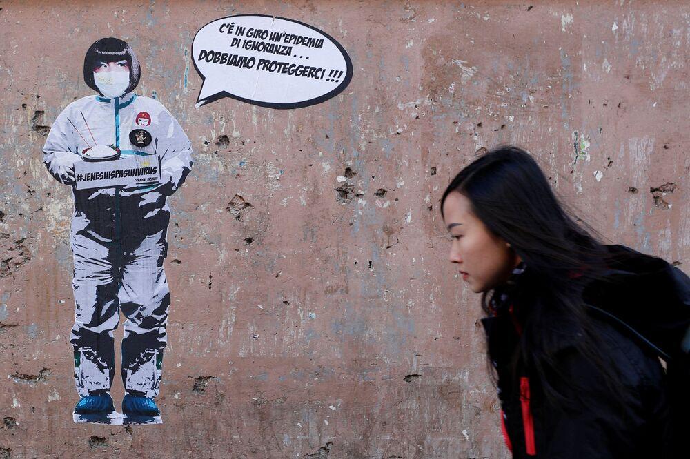 Graffiti przeciwko ksenofobicznym zachowaniom wobec Chińczyków w Rzymie, Włochy