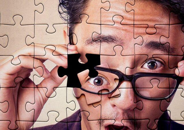 Puzzle, zdziwiona twarz