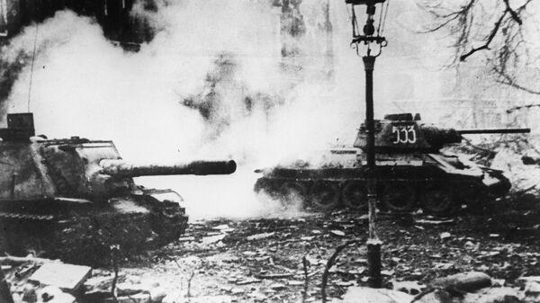 Radzieckie czołgi na ulicach Wrocławia, 1945 - Sputnik Polska