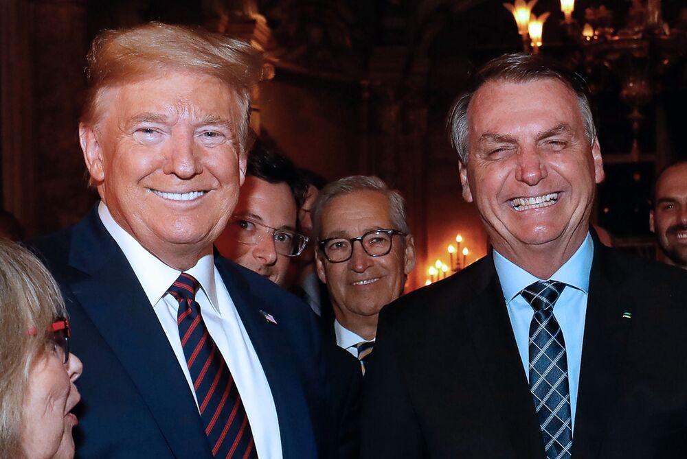 Prezydent Brazylii Jair Bolsonaro (z prawej) z prezydentem USA Donaldem Trumpem, marzec 2020 r