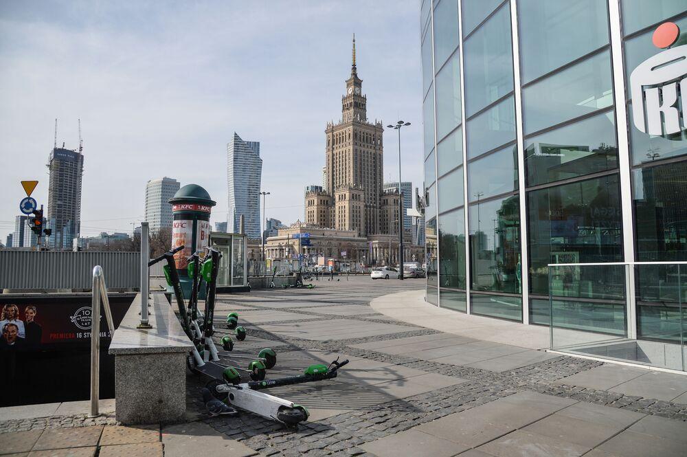 Pustki na ulicach Warszawy