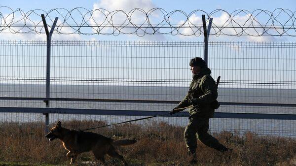 Granica Krymu i Ukrainy - Sputnik Polska