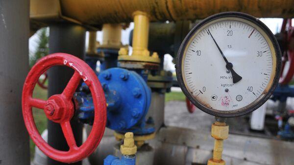 Manometr i kurek w tłoczni gazu w obwodzie zakarpackim - Sputnik Polska