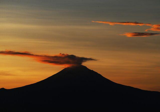 Wulkan Popocatépetl w Meksyku