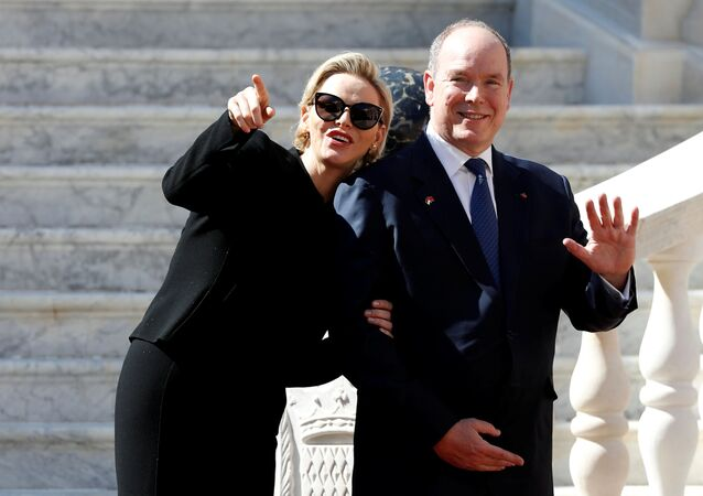 Książę Monako Albert II z żoną