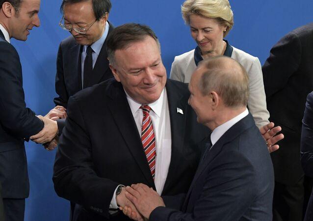 Pompeo i Putin na konferencji w Monachium