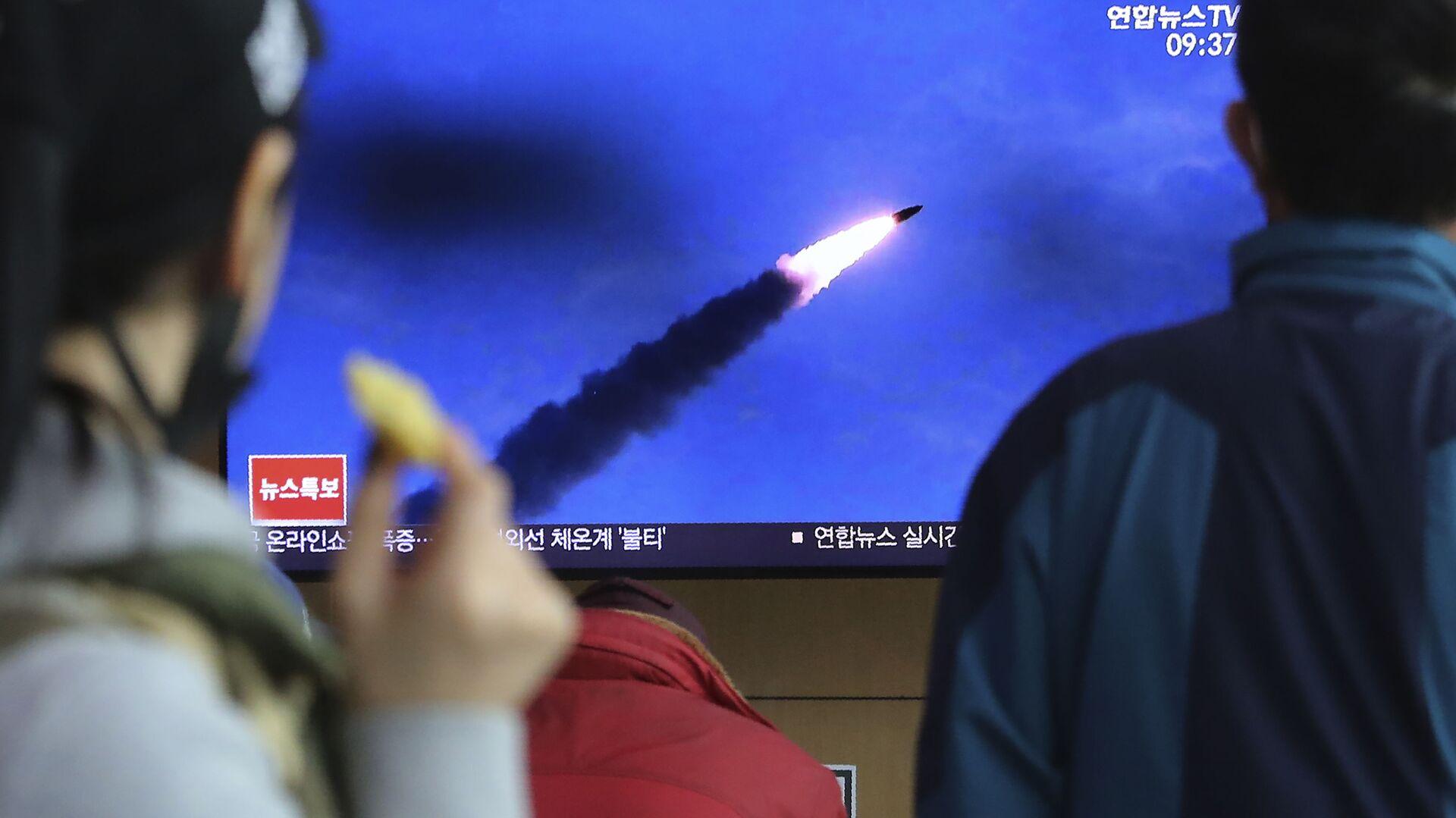 Korea Północna wystrzeliła w sobotę nad ranem czasu miejscowego w kierunku Morza Japońskiego dwie rakiety, przypuszczalnie pociski balistyczne krótkiego zasięgu. - Sputnik Polska, 1920, 15.09.2021