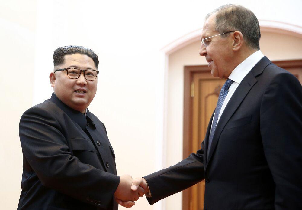 Kim Dzong Un i Siergiej Ławrow