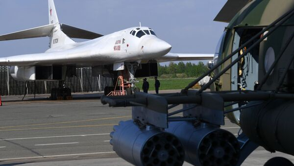 Rosyjski bombowiec strategiczny Tu-160 - Sputnik Polska