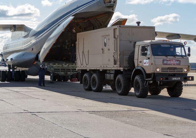 Ił-76 lecą do Włoch