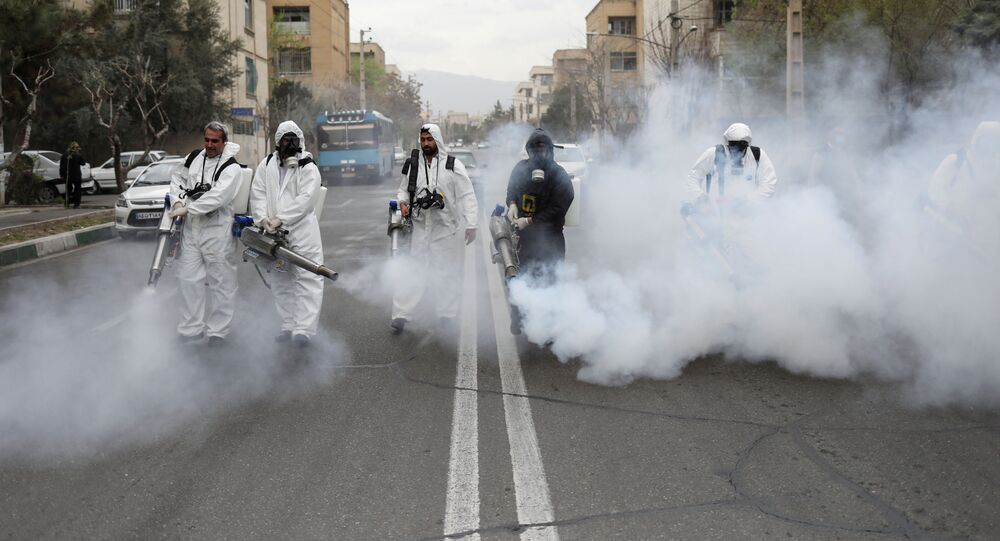 Dezynfekcja ulic w Teheranie, Iran