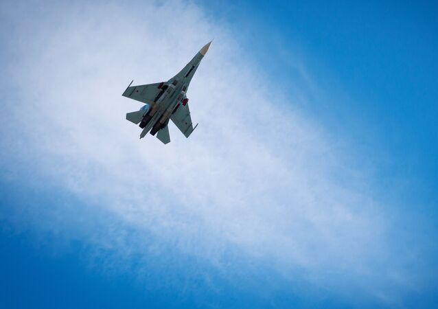Wielozadaniowy myśliwiec Su-27