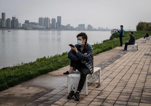 Mieszkańcy Wuhan po szczycie epidemii koronawirusa, 25 marca, 2020 rok