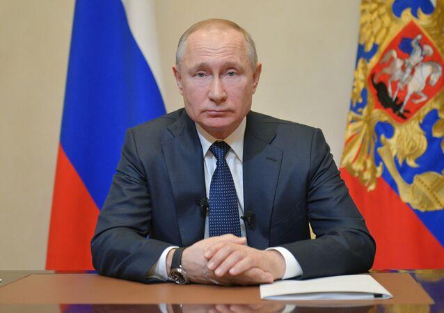 Prezydent Rosji Władimir Putin w czasie orędzie do obywateli w związku z sytuacją z koronawirusem