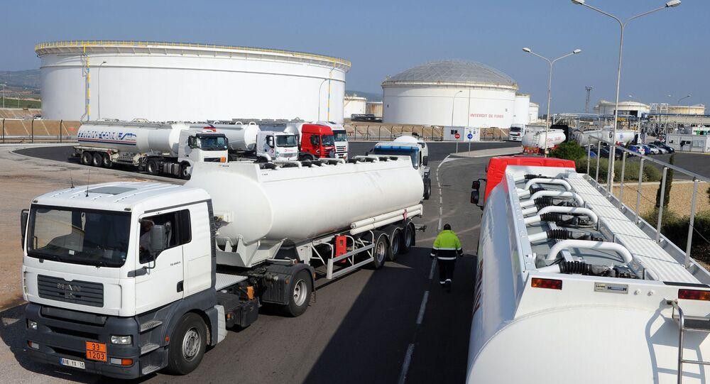 Magazyn ropy naftowej we francuskiej gminie Frontignan