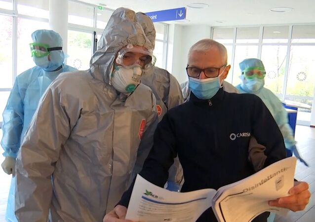 Rosyjscy specjaliści wojskowi odwiedzają placówkę medyczną w Bergamo