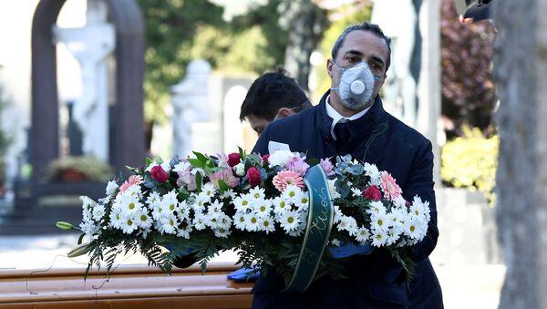 Pogrzeb we Włoszech - Sputnik Polska