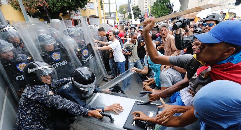 Starcia opozycji z policją w Caracas