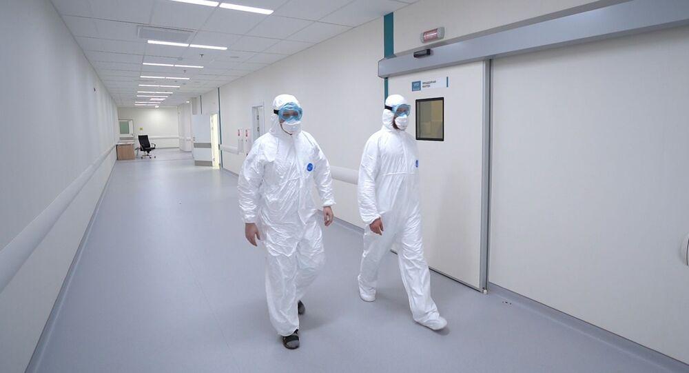 Pracownicy moskiewskiego szpitala chorób zakaźnych